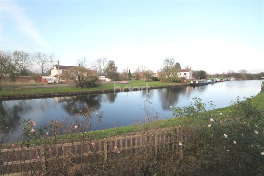 4 Bedrooms Detached House for sale in South Bank, Stainforth
