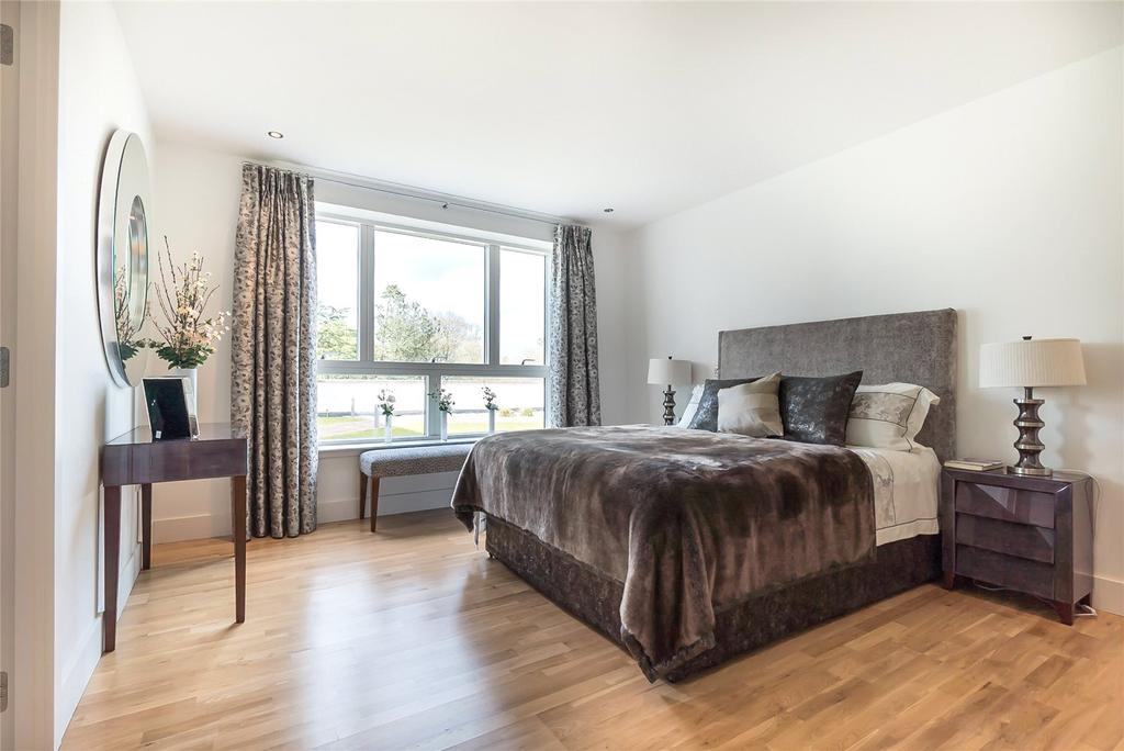 3 Bedrooms Flat for sale in Caer Amon, Brighouse Park Cross, Edinburgh