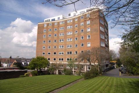 3 bedroom apartment for sale - Sandmoor Court, Leeds, West Yorkshire