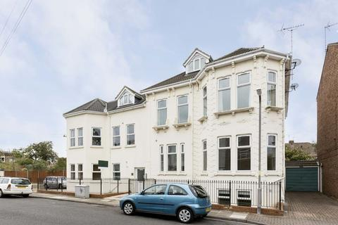 1 bedroom apartment to rent - St. Ronans Road, Southsea