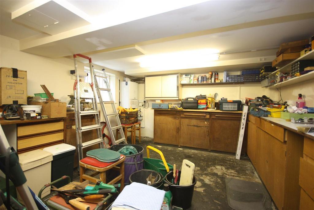 Utility Room/ Workshop