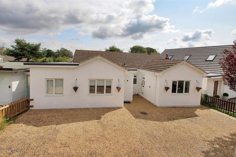 3 bedroom detached bungalow for sale - Greenview Crescent, Hildenborough