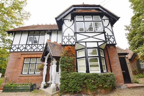 2 bedroom flat to rent - Garden House, Greenlands, Henley On Thames