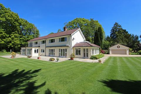 5 bedroom detached house for sale - The Chase, Kingswood