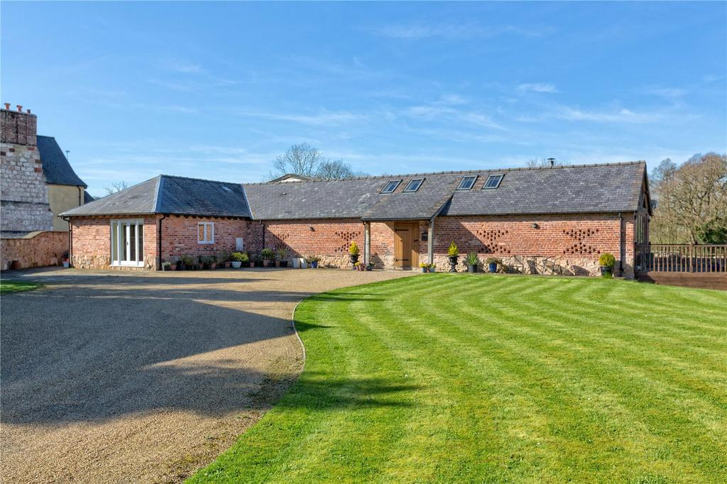 3 Bedrooms Detached Bungalow for sale in The Old Dairy, Crickheath, Oswestry, Shropshire