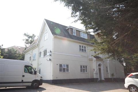 1 bedroom apartment to rent - Crescent Road, Bournemouth