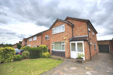 3 bedroom detached house to rent - Three Oaks Close, Ickenham, Middlesex, UB10 8DU