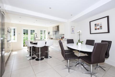 5 bedroom detached house to rent - Little Potters, Bushey, WD23 4QT