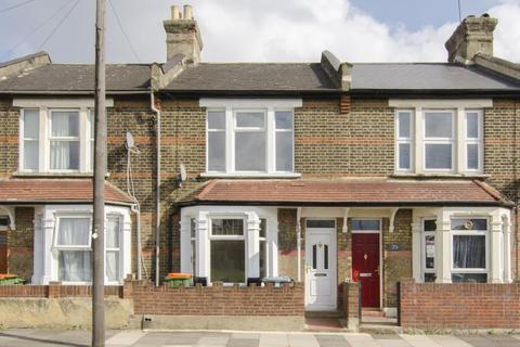 3 bedroom terraced house to rent - Leggatt Road, Stratford, London, E15