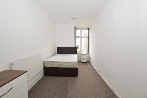 1 bedroom house share to rent - High Street, Birmingham