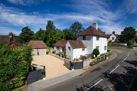 4 bedroom detached house for sale - Winchester Road, Petersfield