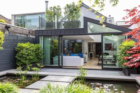 3 bedroom house  - 60 Heytesbury Lane, Ballsbridge, Dublin  4