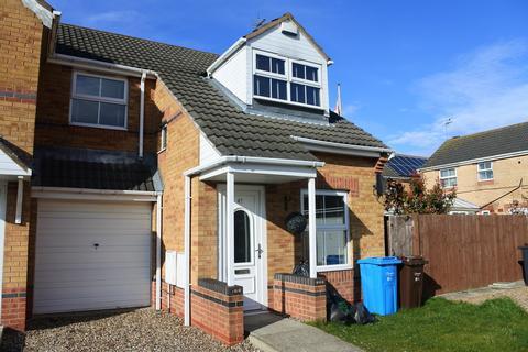 3 bedroom semi-detached house to rent - Blackwater Way, Kingswood