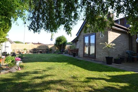 5 bedroom chalet for sale - Olive Road, Norwich