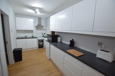 6 bedroom property to rent - Freshfield Close, Norwich, Norfolk, NR5 8RA