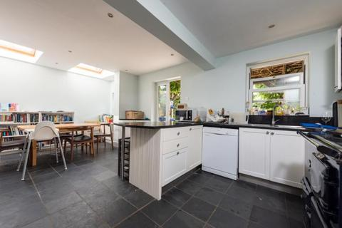 5 bedroom semi-detached house for sale - Middle Way, Oxford