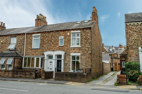 3 bedroom end of terrace house for sale - Poppleton Road, Holgate, York