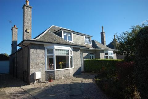 4 bedroom semi-detached house to rent - Woodend Place, , Aberdeen, AB15 6AL
