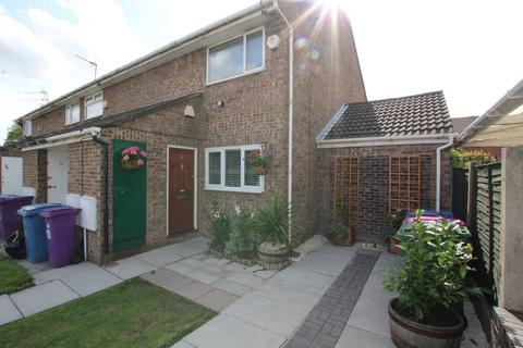 2 bedroom ground floor flat for sale - Humber Close, Liverpool, L4