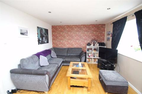 2 bedroom flat for sale - Laurel Hill Way, Leeds