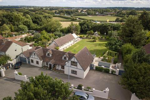 5 bedroom detached house for sale - Writtle - Fenn Wright Signature