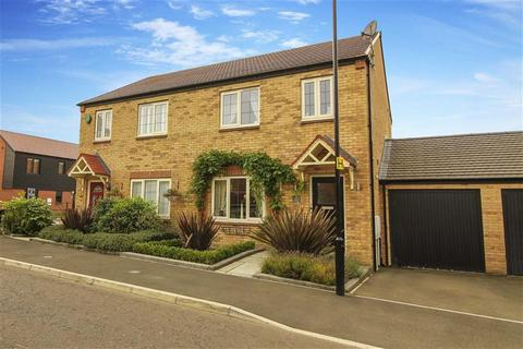 3 bedroom semi-detached house for sale - Viscount Close, Earsdon View, Tyne And Wear