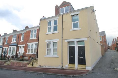 2 bedroom ground floor flat to rent - Curzon Street, Bensham