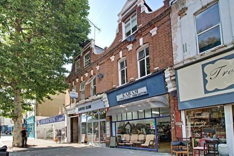 3 bedroom flat to rent - High Street, London, N8