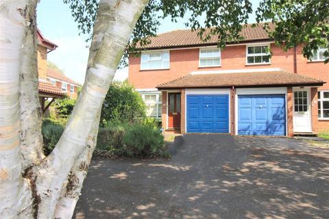 3 bedroom semi-detached house to rent - Haydock Close, Alton, Hampshire, GU34