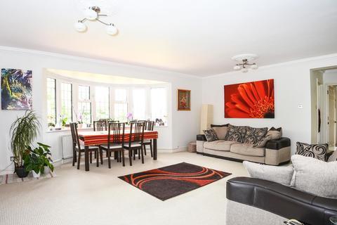 2 bedroom flat to rent - Rickmansworth Road, Northwood, HA6 2GY