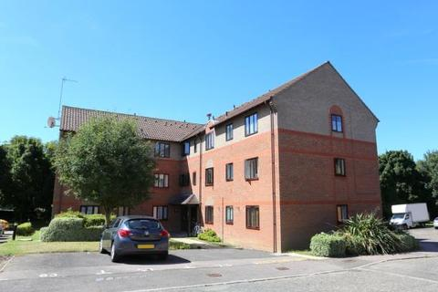 2 bedroom flat for sale - Capel Drive, Felixstowe IP11