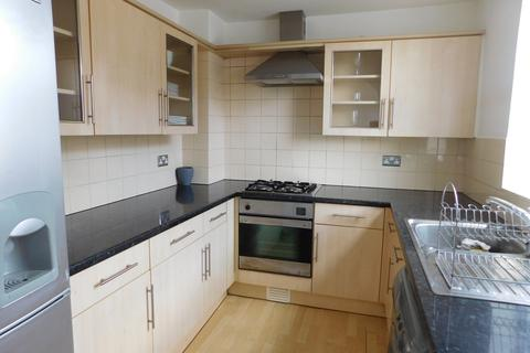 2 bedroom flat to rent - Kingston Road, North End