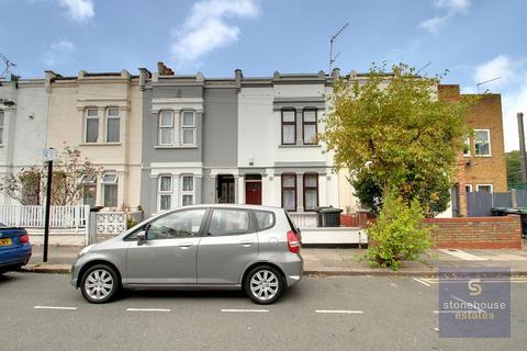 3 bedroom terraced house to rent - Eleanor Road N11