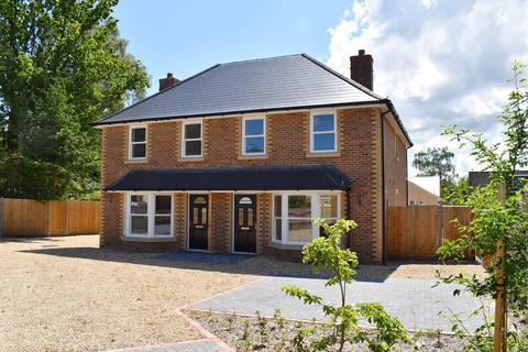 3 bedroom semi-detached house for sale - Woolsbridge Road, St Leonards, Ringwood, BH24
