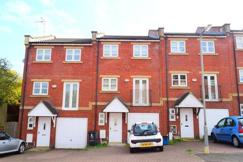 4 bedroom terraced house for sale - Braunston Close, Northampton
