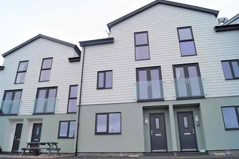 4 bedroom townhouse for sale - Yr Hen Lys, Pwllheli