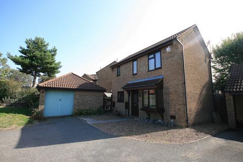 3 bedroom detached house to rent - Verdant Vale, East Hunsbury, Northampton, NN4