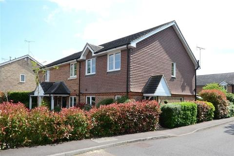 3 bedroom semi-detached house to rent - Rowland Place, Wokingham