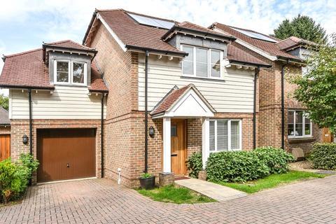 3 bedroom detached house for sale - Bluebell Gardens, Medstead, Alton, Hampshire