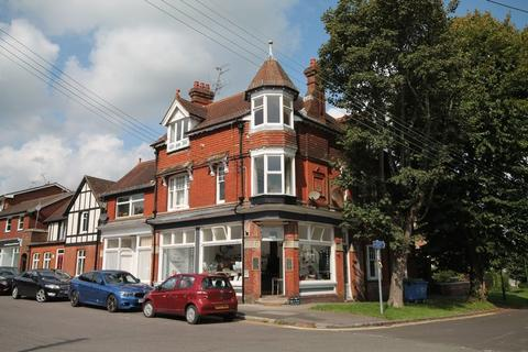 2 bedroom apartment for sale - Stanford Terrace, Station Approach West, Hassocks, West Sussex,