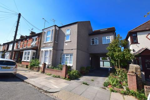 1 bedroom flat for sale - Cliffsea Grove, Leigh-On-Sea