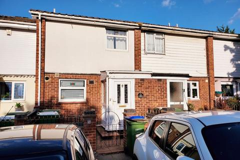 4 bedroom terraced house to rent - WHERNSIDE CLOSE, THAMESMEAD, LONDON, SE28 8HD