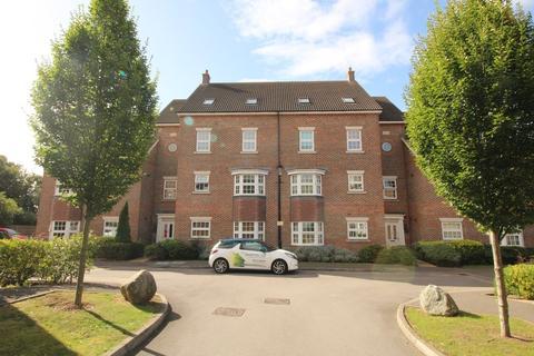 2 bedroom apartment to rent - De Soissons Close, Welwyn Garden City