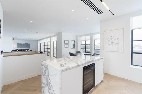 3 bedroom flat to rent - Sherwood Street, Soho, London, W1F