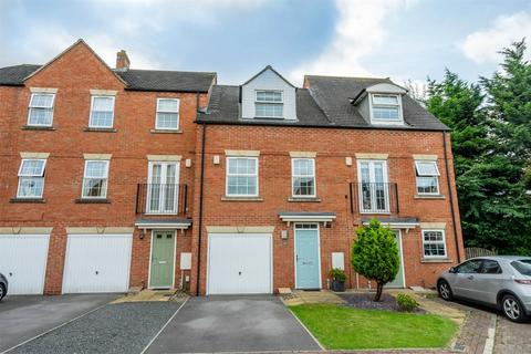 3 bedroom townhouse for sale - Cheshire Close, Rawcliffe, York