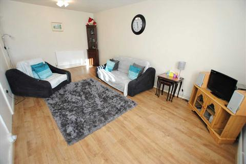 2 bedroom apartment for sale - 11 Woodbine Close