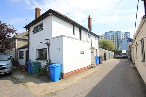 1 bedroom house share to rent - Sterte Avenue, Poole