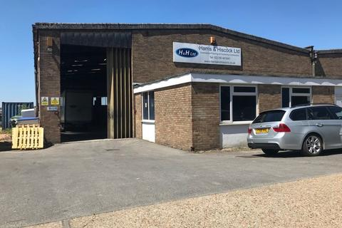 Office to rent - Willments Industrial Estate, Hazel Road, Southampton, SO19