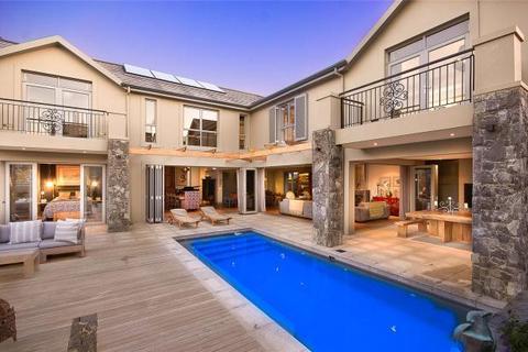 4 bedroom house  - 387 Cremant Street, Val de Vie, Paarl, Western Cape