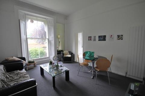 2 bedroom flat to rent - Camden Road, Holloway, London, N7 0HR